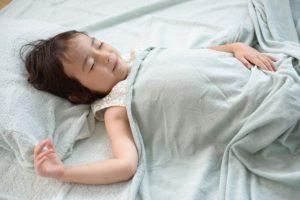 寝返り整体で痛み解消骨盤矯正
